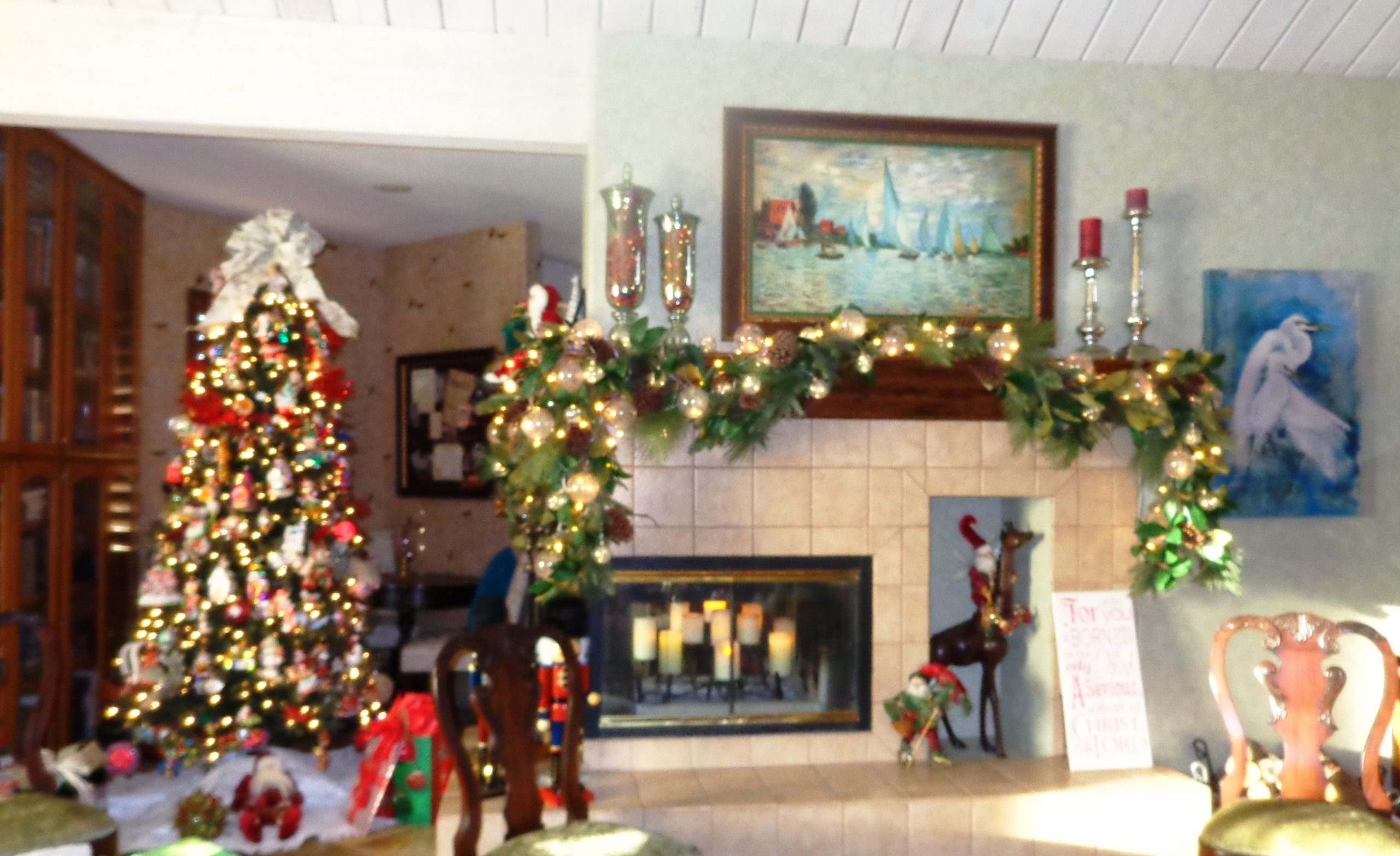 Lee Christmas mantle & Tree